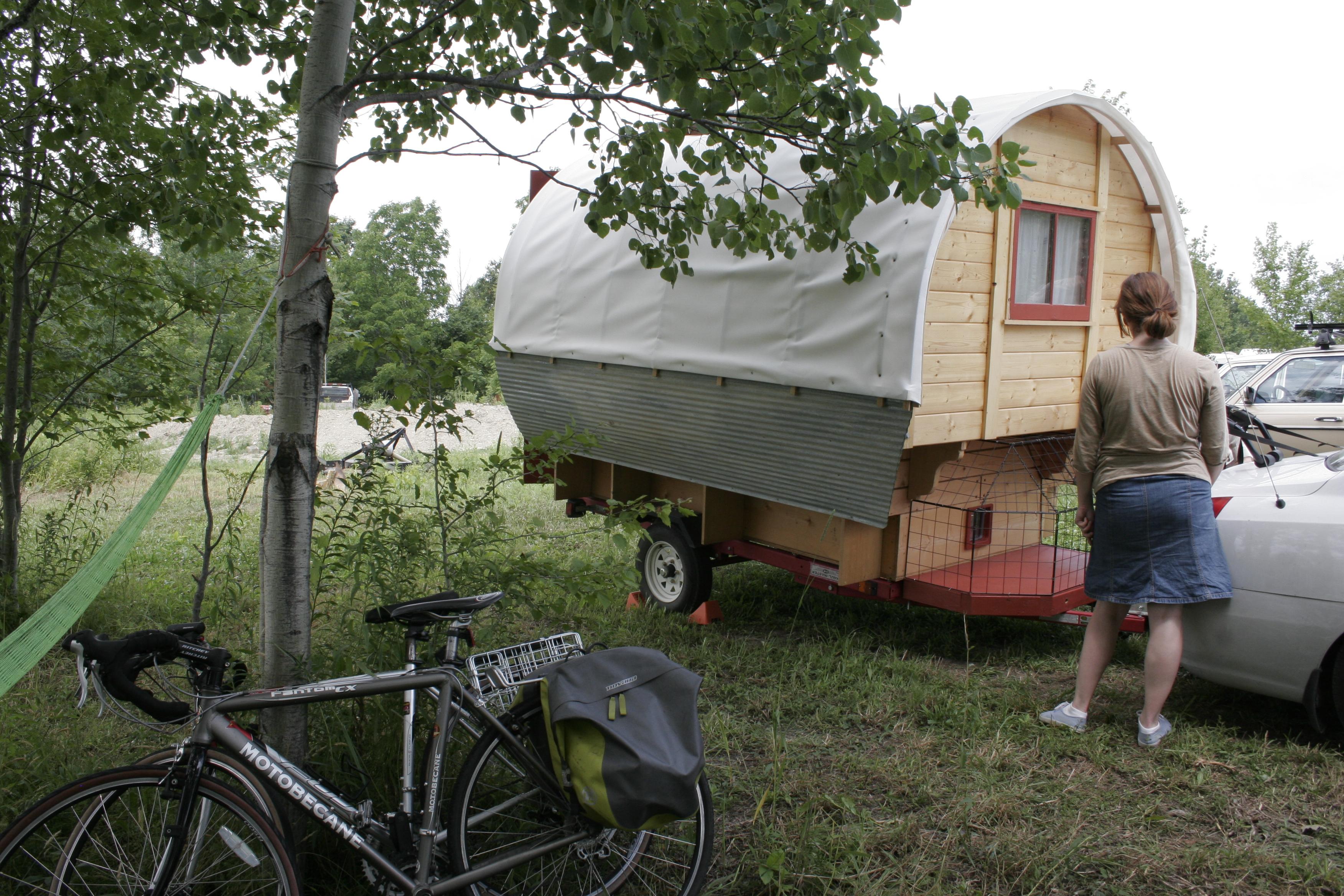 Gypsy Wagon visits Dacha